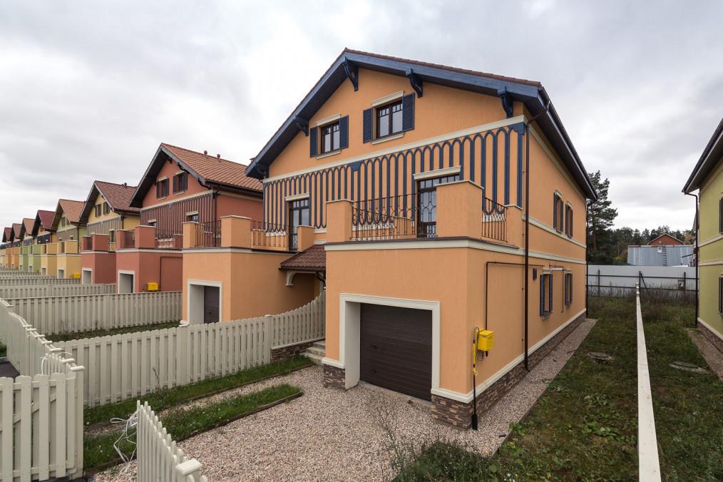 Таунхаус с отделкой частично под ключ в Маленькая Италия